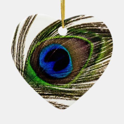 Pluma del pavo real adorno de cerámica en forma de corazón