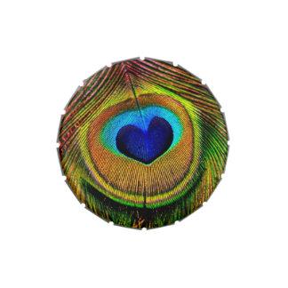 Pluma elegante del pavo real con el ojo en forma d jarrones de dulces