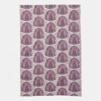 Pluma estilizada del pavo real - rosa toalla de mano