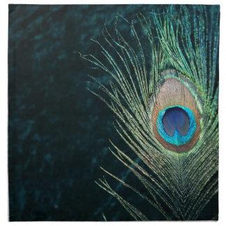 Pluma oscura del pavo real servilleta imprimida