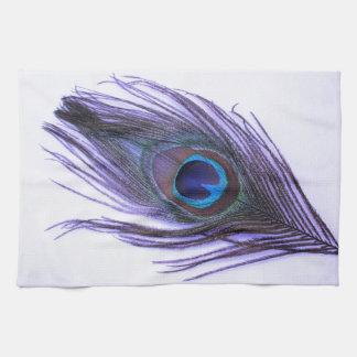 Pluma púrpura del pavo real toallas