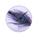 Pluma púrpura del pavo real reloj de pared