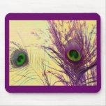 Pluma púrpura del pavo real tapete de raton