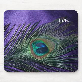 Pluma púrpura sedosa del pavo real alfombrilla de ratones