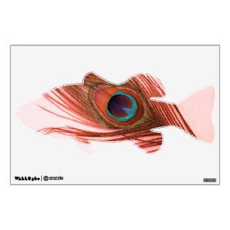Pluma roja del pavo real en etiqueta baja rosada d vinilo