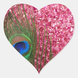 Pluma rosada rocosa del pavo real pegatina en forma de corazón