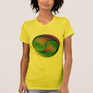 Pluma Yin Yang 3 del pavo real Camiseta