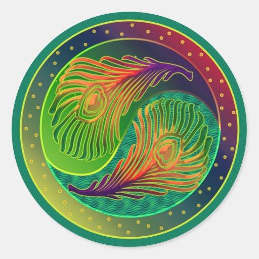 Pluma Yin Yang 3 del pavo real Pegatina Redonda