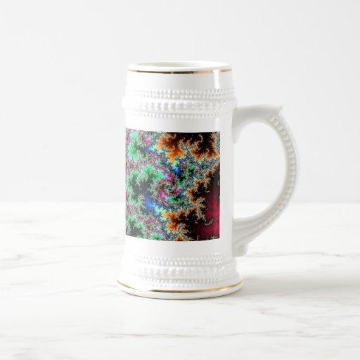 Plumas abstractas del pavo real - arte colorido de taza de café