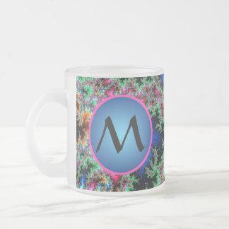 Plumas abstractas del pavo real, arte con taza de café esmerilada
