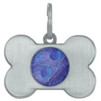 Plumas azules de neón del pavo real del brillo placas de nombre de mascota