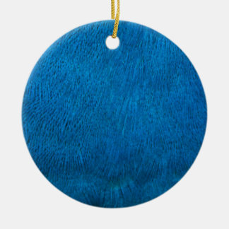 Plumas azules del pavo real adorno redondo de cerámica