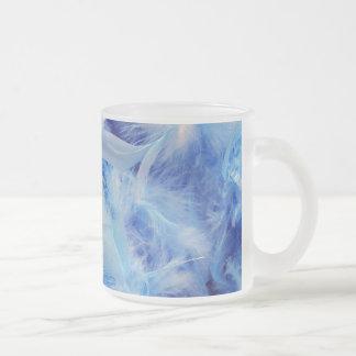 Plumas azules taza de cristal