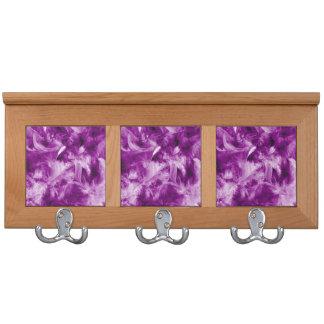 plumas coloridas, púrpuras