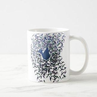 Plumas de la taza eterna del amor
