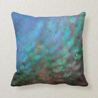 plumas del pavo real del marrón azul y del verde almohadas