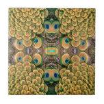 Plumas del pavo real del verde esmeralda y del oro azulejos ceramicos