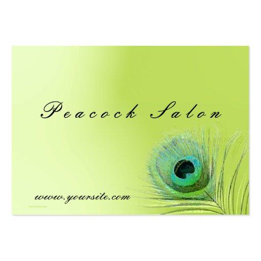 Plumas del pavo real en tarjeta de visita verde