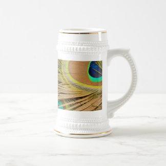 Plumas del pavo real jarra de cerveza