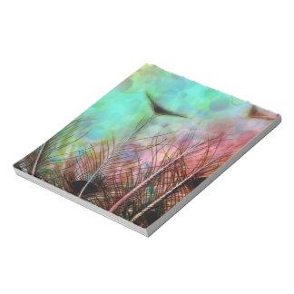 Plumas en colores pastel del pavo real libretas para notas