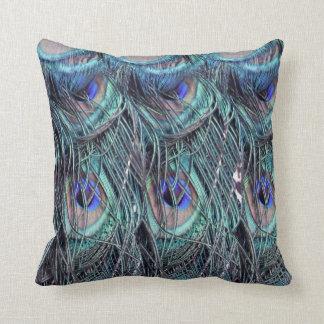 plumas lanudas del peafowl azul almohada