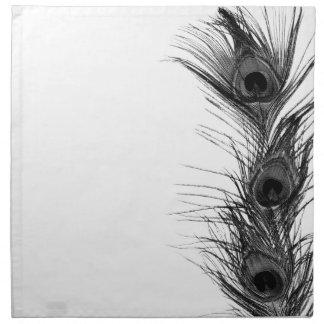 Plumas negras del pavo real servilletas imprimidas