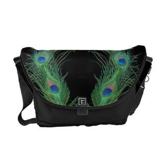 Plumas verdes con negro bolsa de mensajeria