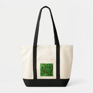 Plumas verdes del pavo real en negro bolsas