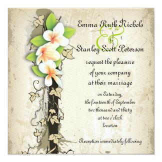 Plumeria del vintage e invitación beige del boda