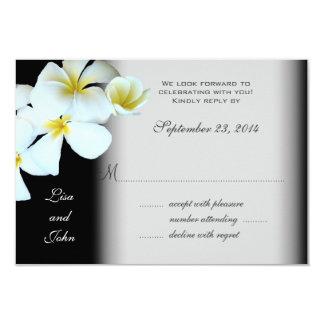 """Plumeria en tarjetas de contestación negras de la invitación 3.5"""" x 5"""""""