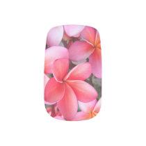 *Plumeria* Hawaiian Nail Art