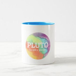 """""""Plutón sigue siendo taza del ejemplo de un planet"""