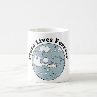 Plutón vive para siempre taza clásica