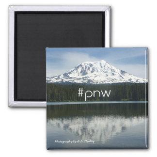 #pnw (noroeste pacífico del hashtag) con Mt Adams Imán Cuadrado