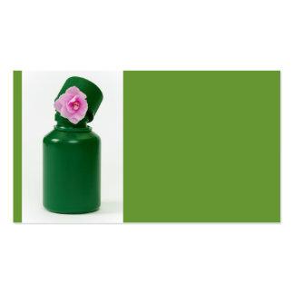 poca botella verde y flor rosada tarjetas de visita