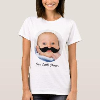 Poca mamá de la foto del bebé del bigote de la playera