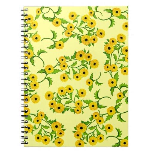 Poca momia del botón florece el cuaderno