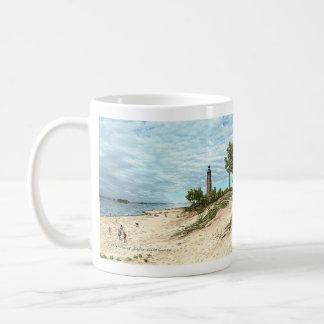 Poca taza de café de Michigan del faro del Sable