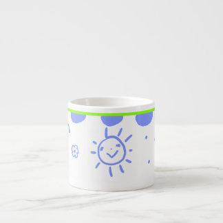 Poca taza feliz de la sol en azul y verde tazas espresso