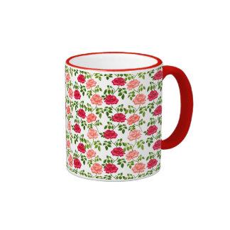 Poca taza inglesa de los rosas de té