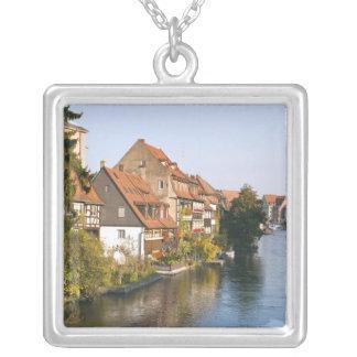 Poca Venecia (Klein Venedig) y río Regnitz Colgante Cuadrado