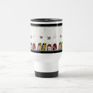 Pocas hormigas del esquí tazas de café