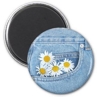 Pocketful of daisies magnet