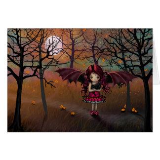 Poco chica del vampiro de Halloween con el gato Tarjeta De Felicitación