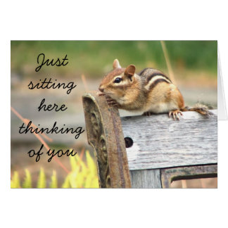Poco chipmunk que piensa en usted tarjeta de felicitación