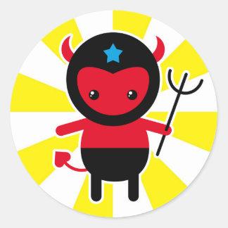 Poco diablo de Ninja del kawaii Etiqueta Redonda