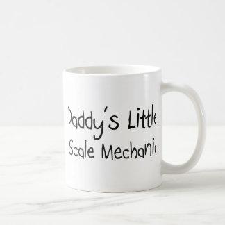 Poco mecánico de la escala del papá taza de café