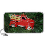 Poco ornamento rojo del navidad del camión de reco altavoz de viaje