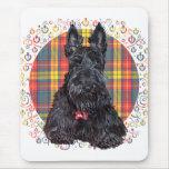 Poco perro del escocés del tartán alfombrilla de ratones