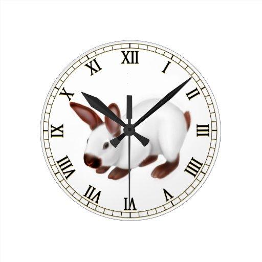 Poco reloj de pared del conejo del mascota